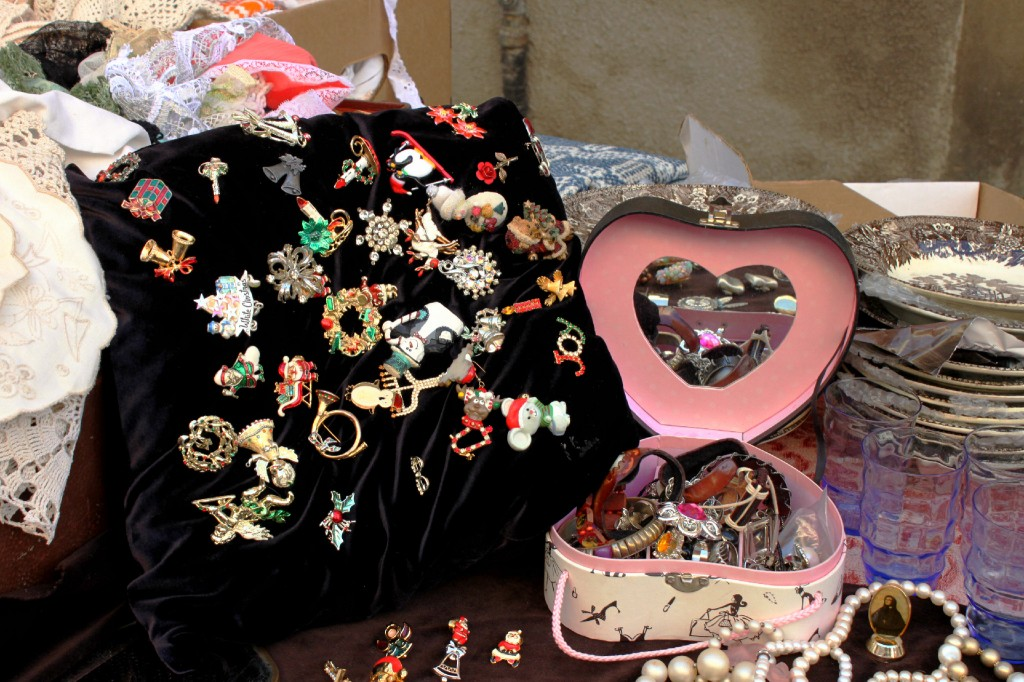 spille-di-natale-mercatino-vintage-lucca