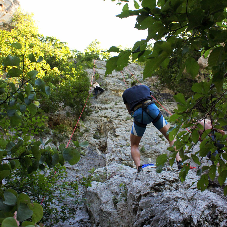 arrampicata in falesia al sasso di lumignano, vicenza, veneto 2