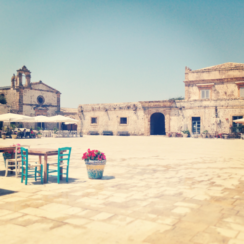 piazza regina margherita, marzamemi, sicilia3JPG