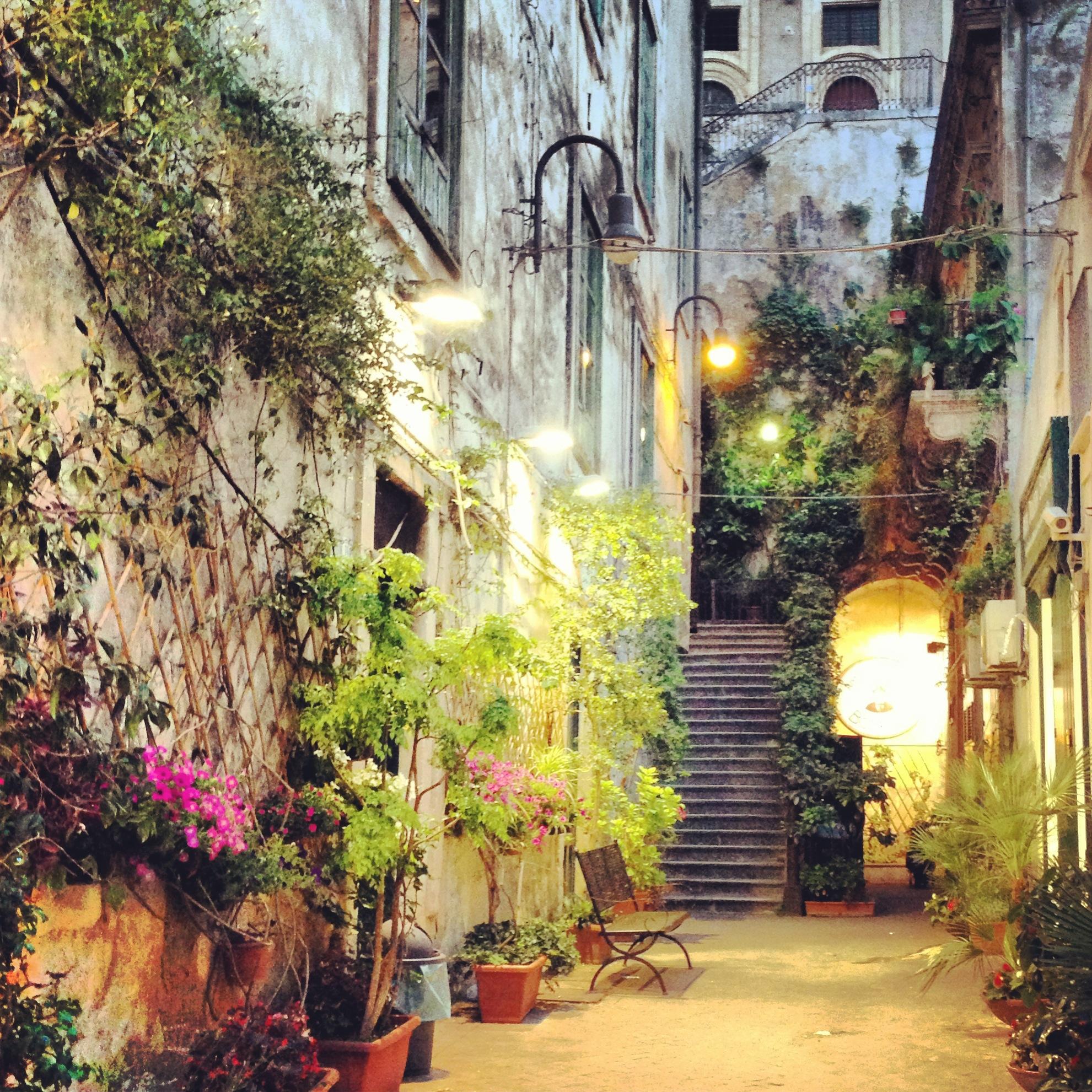 scorcio di modica al tramonto, pasticcieria bonajuto, sicilia