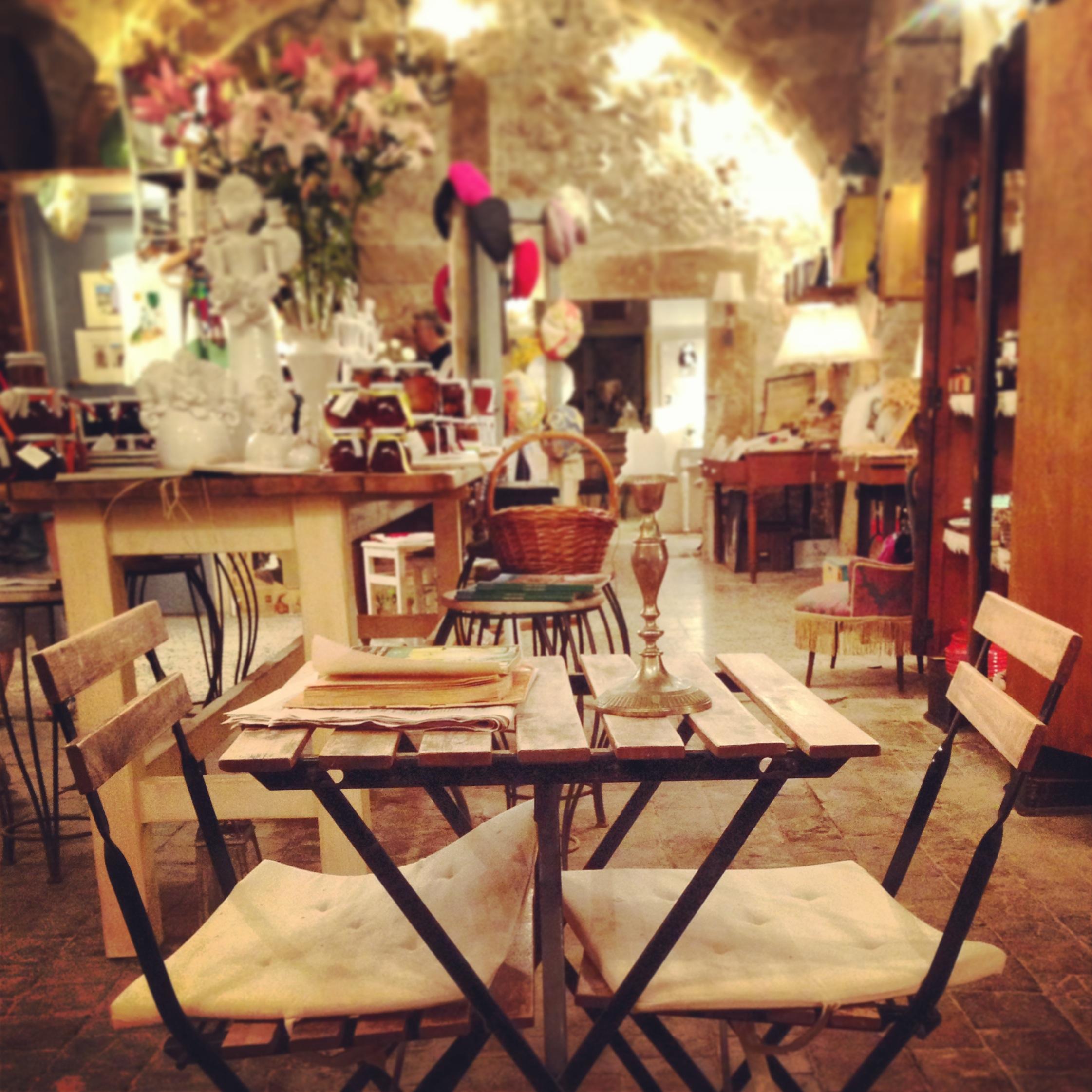 tavolino per due, liccamucciula, particolare, mazamemi sicilia