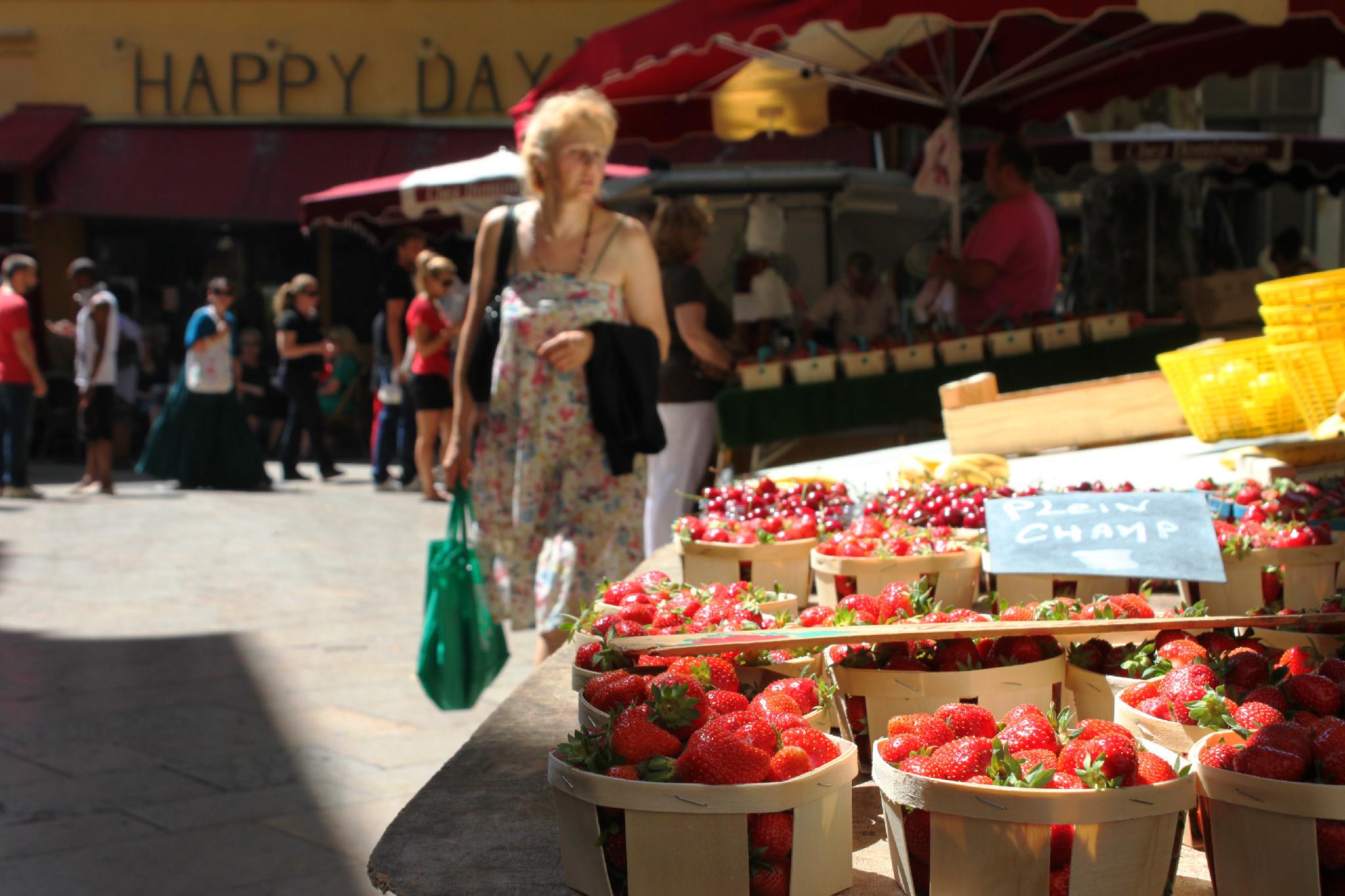 Al mercato, fragole di cui mi ricordo ancora il profumo intenso