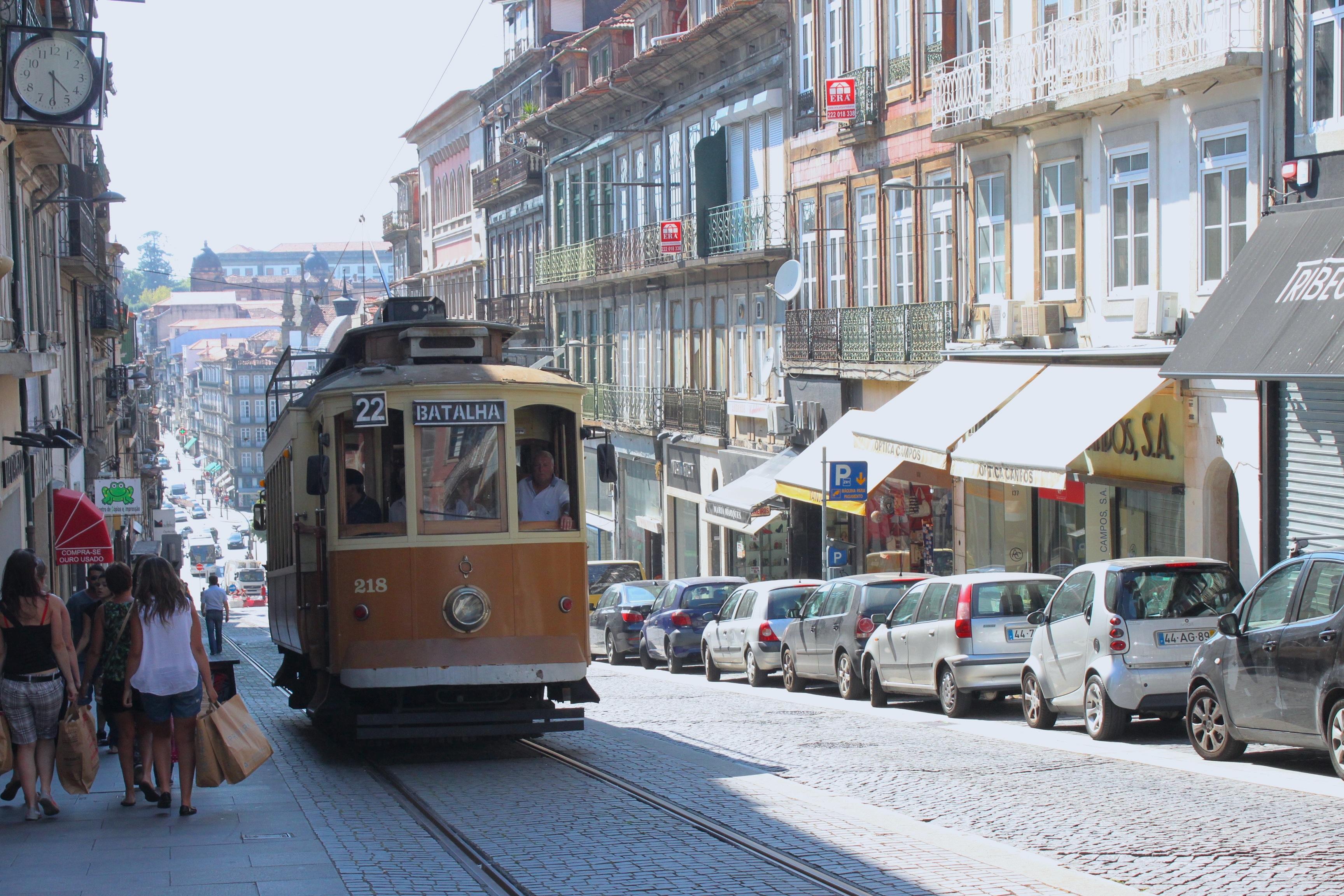 I tram portoghesi, sempre in salita