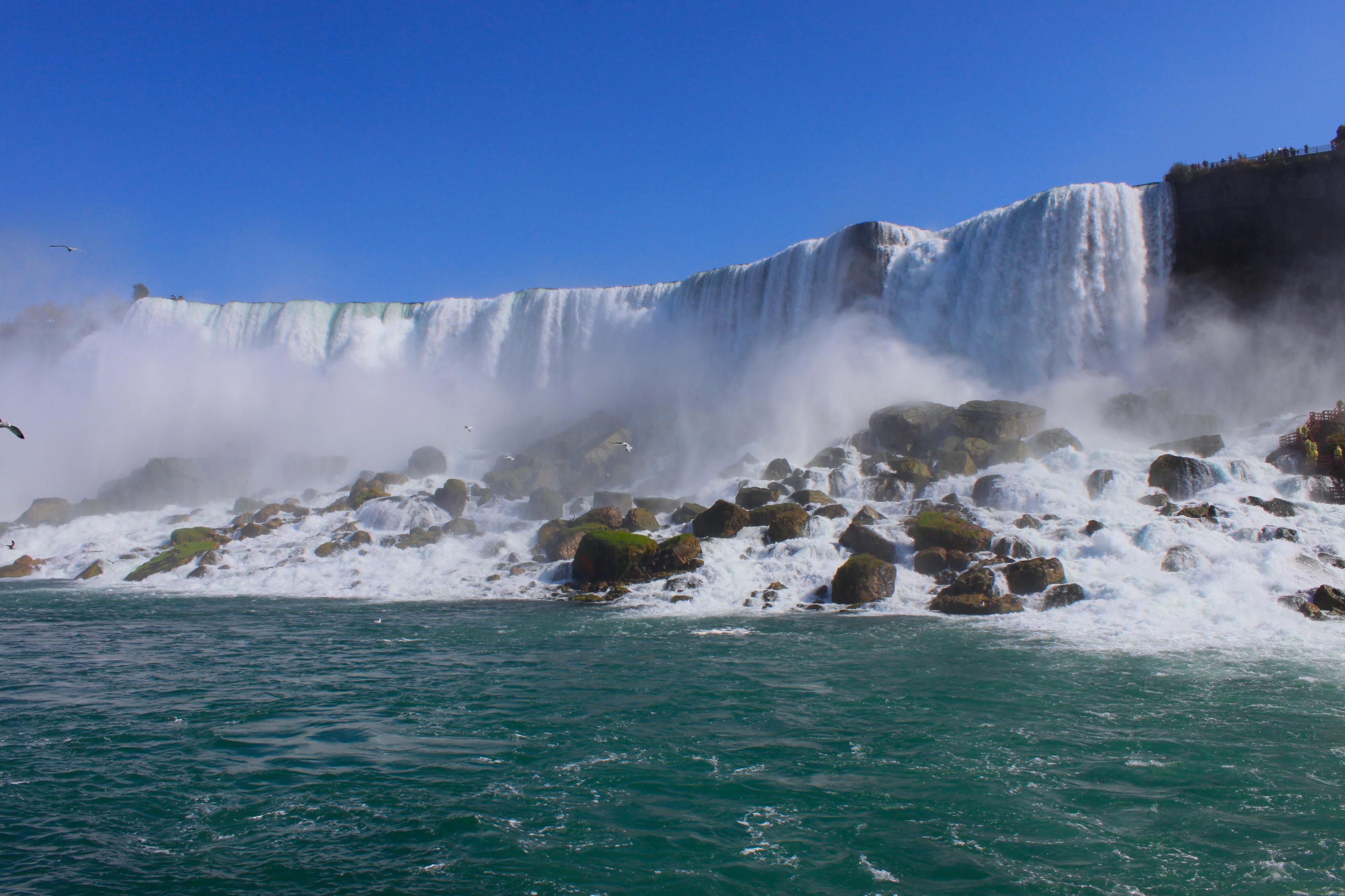 cascate del niagara in ottobre