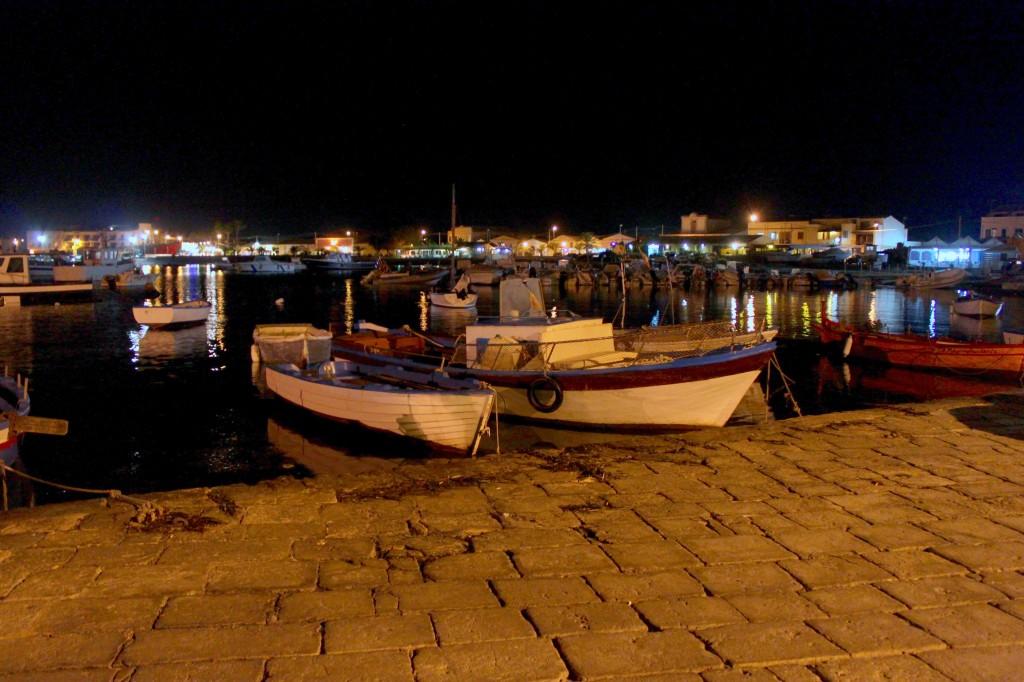 Il porto di Marzamemi, la sera