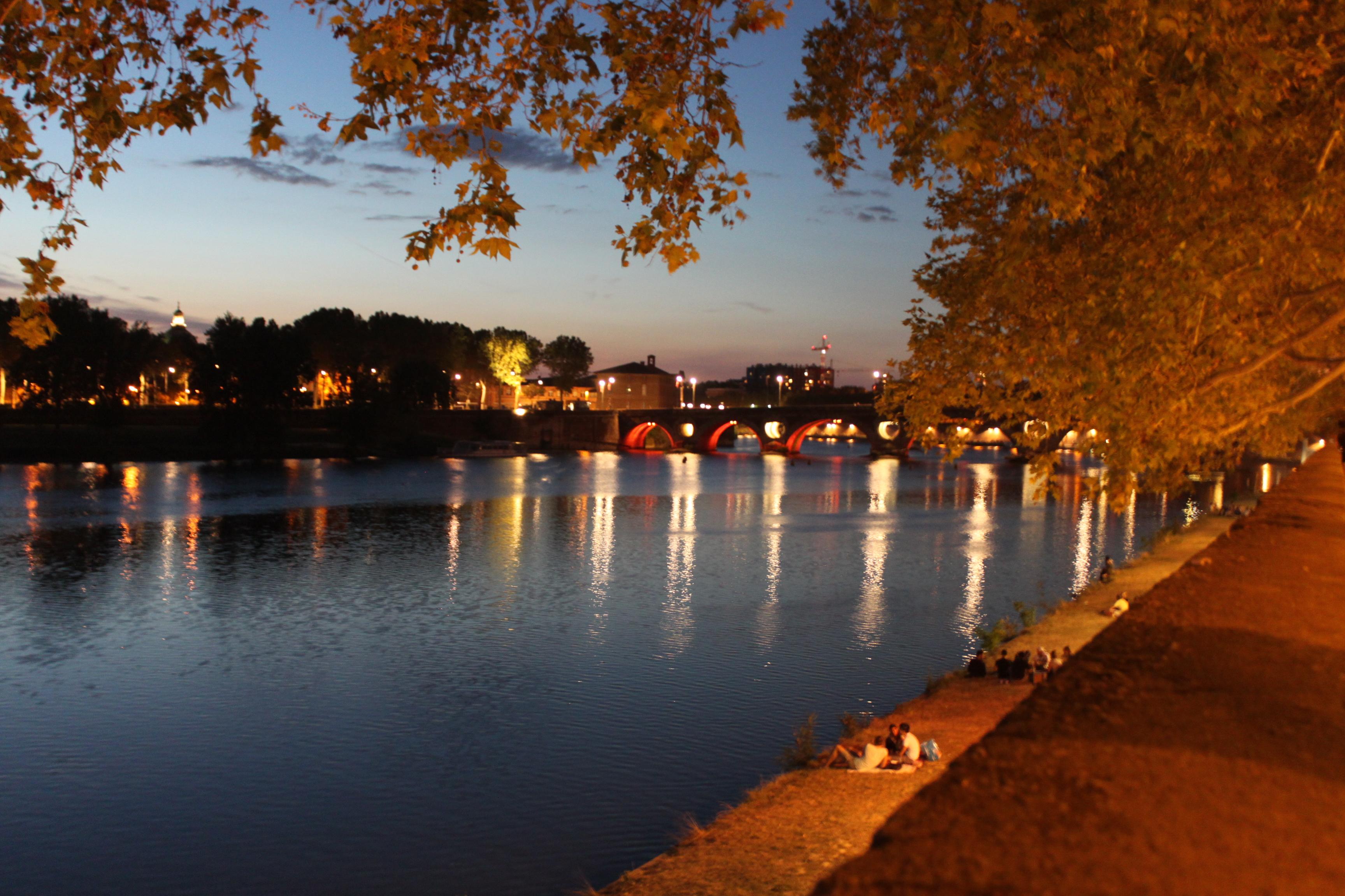 Tolosa di notte