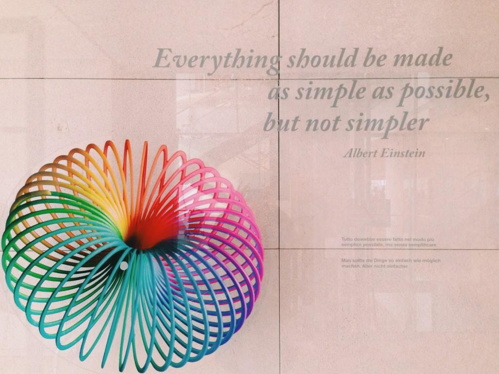 tutto-dovrebbe-essere-fatto-nel-modo-più-semplice-possibile-ma-senza-semplificare