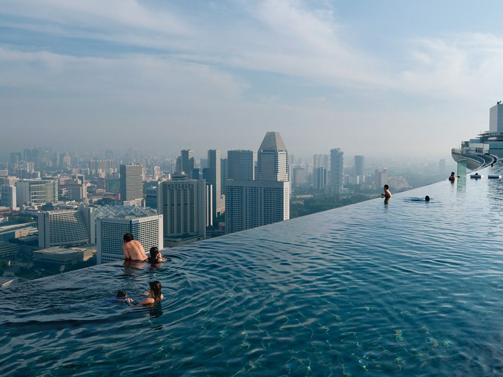 infinity edge pool marina bay sands singapore