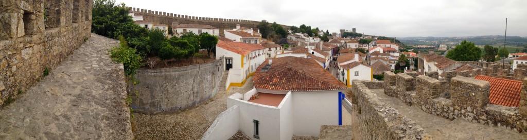 vista della città dalle mura di obidos