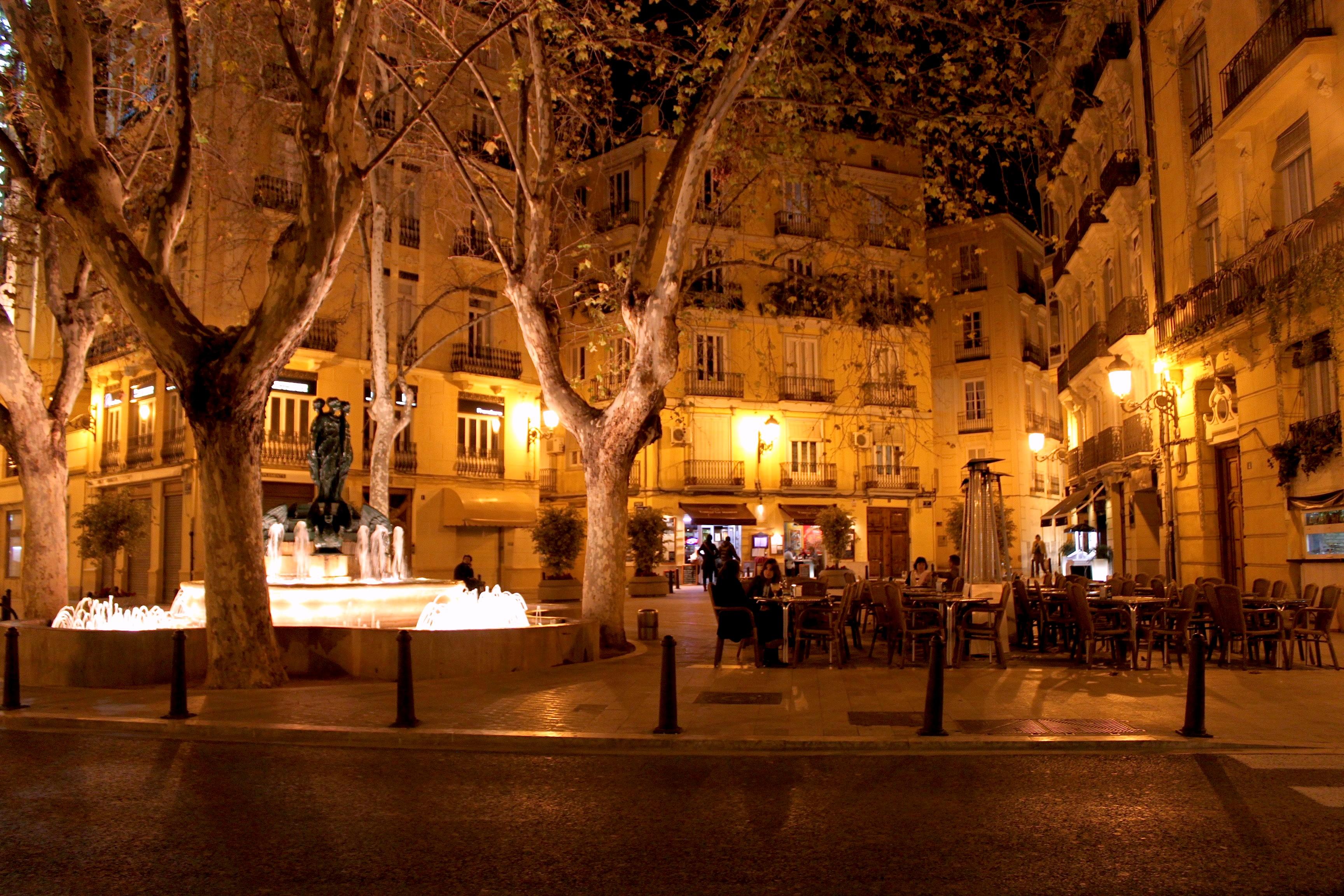 Piazzettina notturna a Valencia