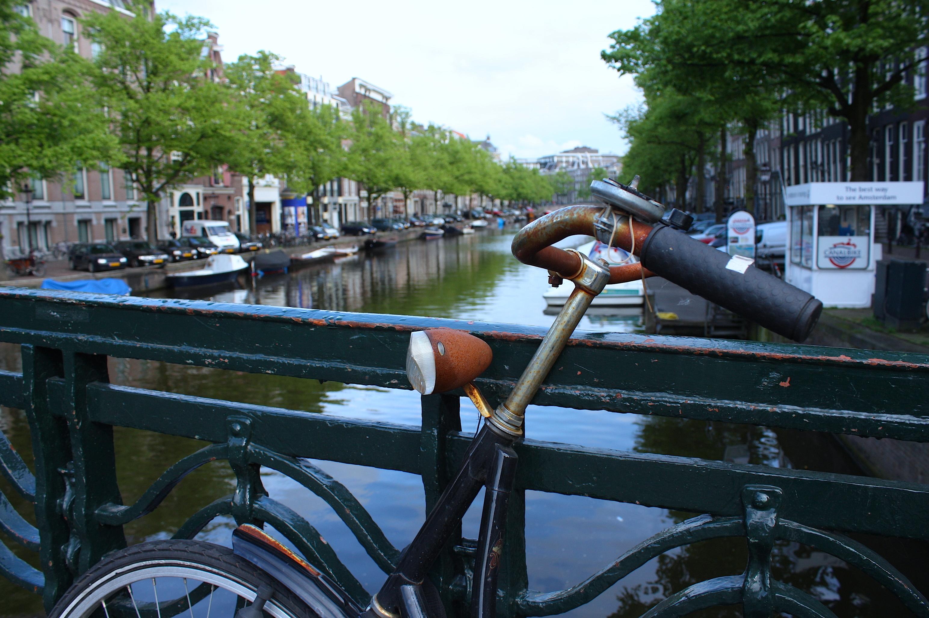 Amsterdam: biciclette e canali
