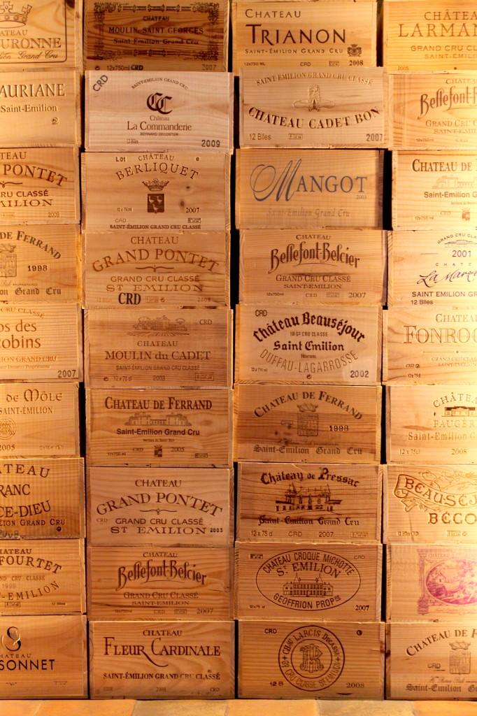 Le cassette del vino di Saint-Émilion (che vengono usate come scatole, vasi, quadri, e mille altre cose originali)