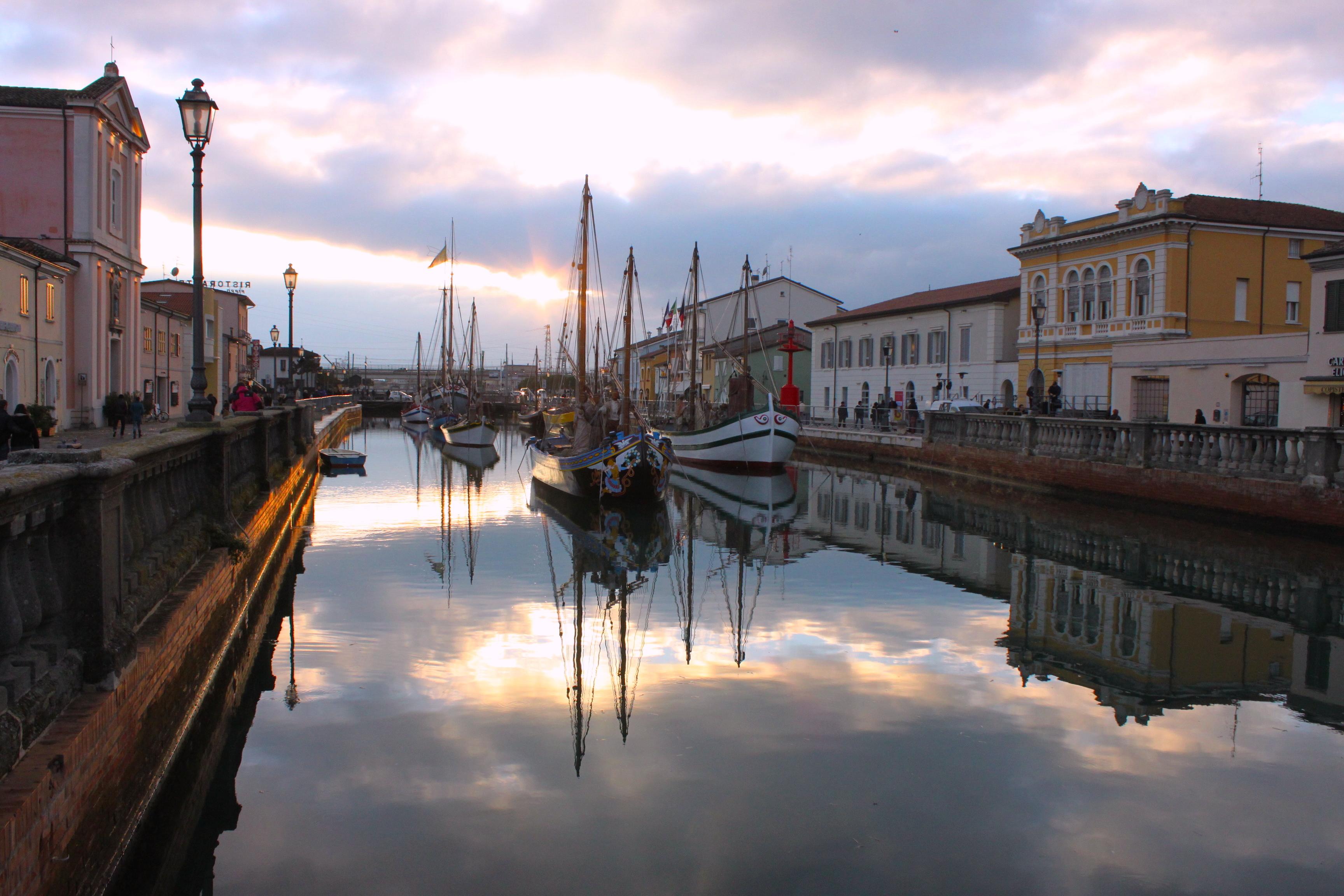 Il Porto Canale è bello da qualunque lato lo si guardi
