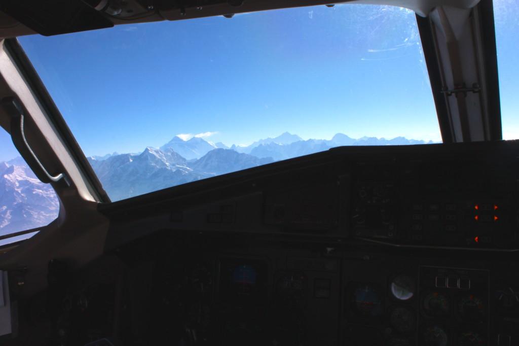L'Everest visto dalla cabina di pilotaggio