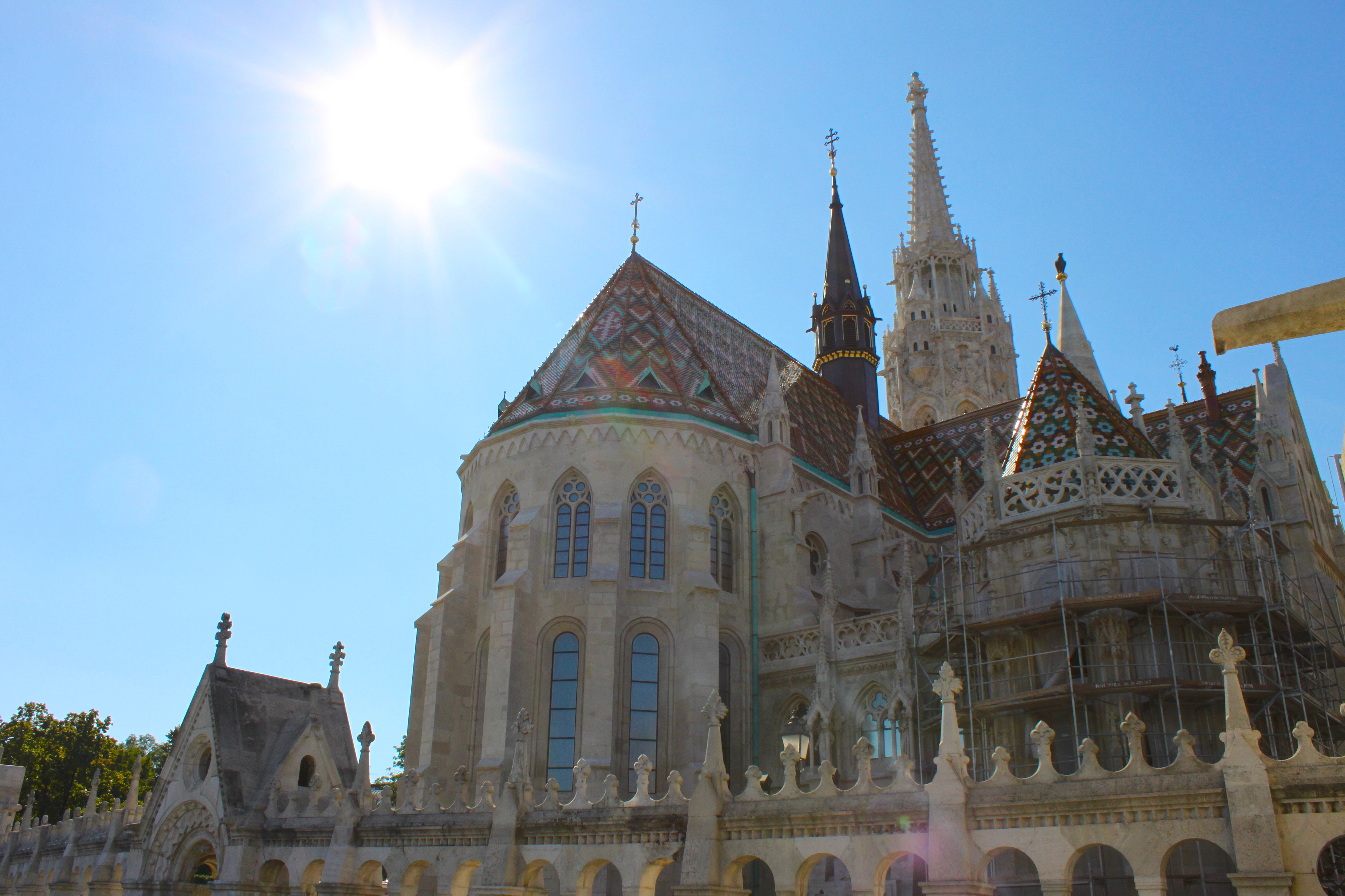 La Chiesa di Mattia da un angolino