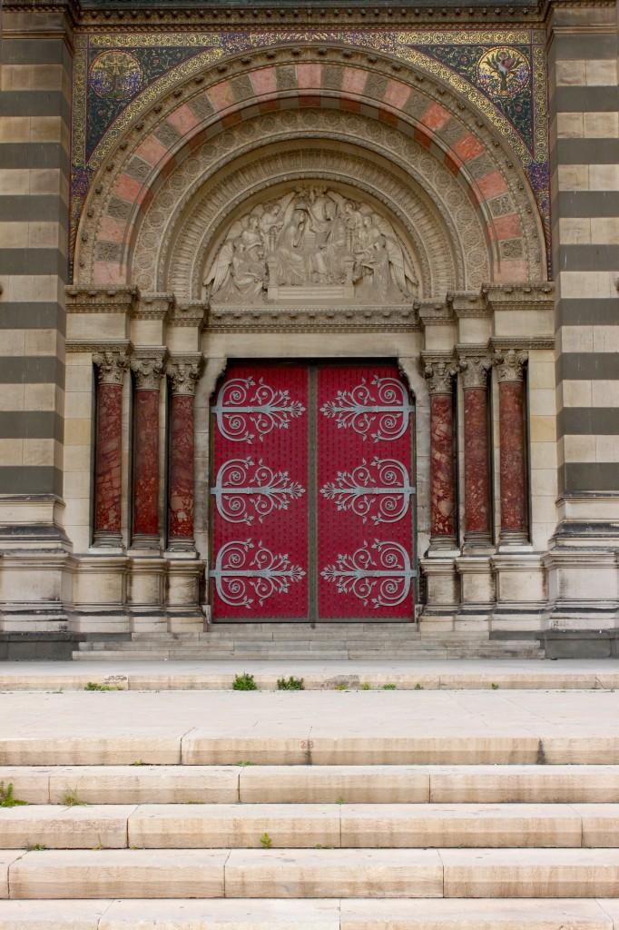 La maestosa Cattedrale di Sainte-Marie-Majeure di Marsiglia