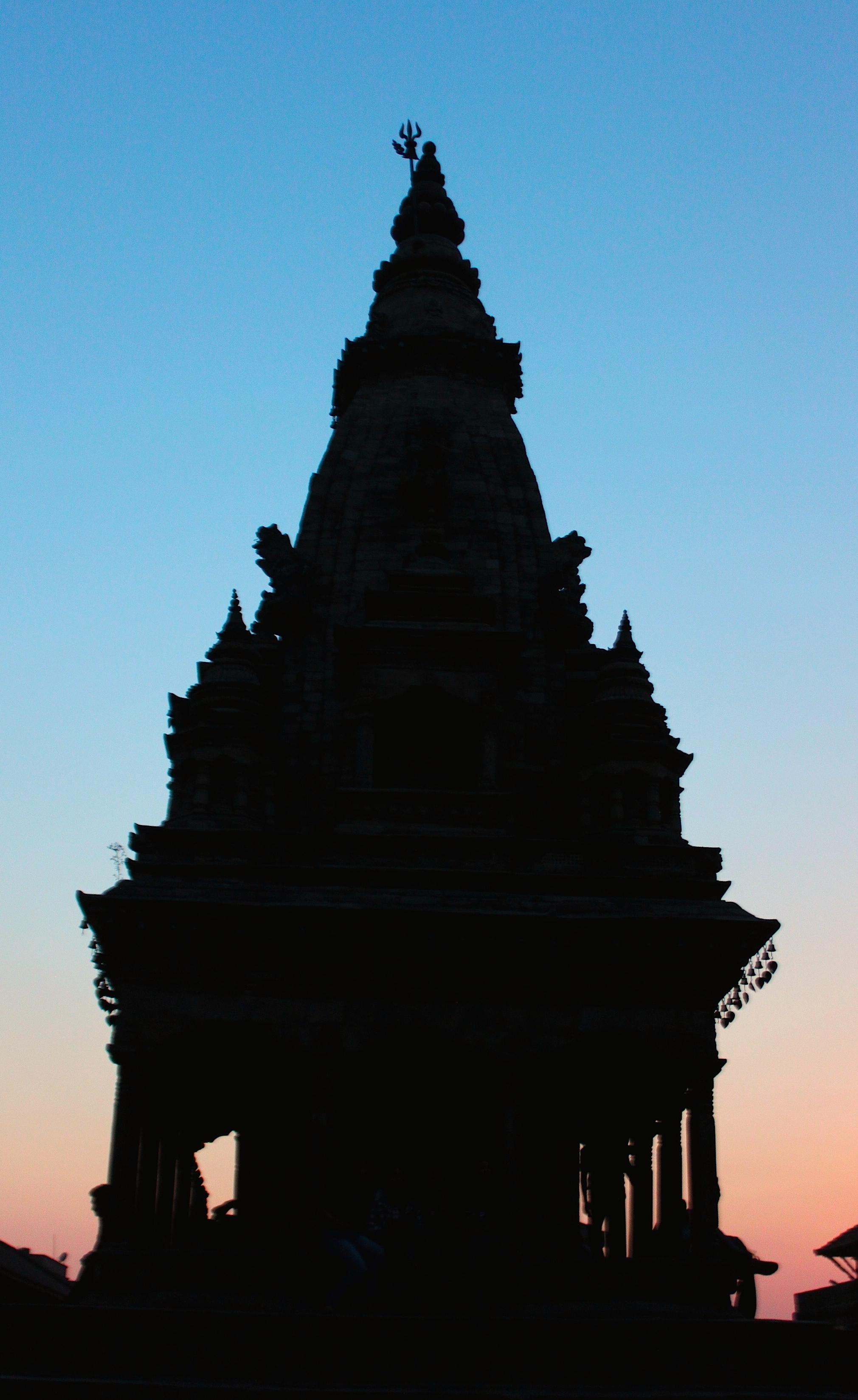 I templi in controluce sembrano delle torte nunziali