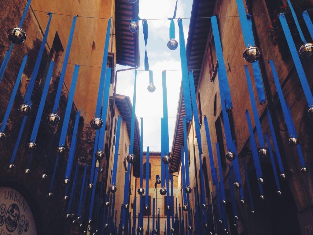 Piovono campanellini