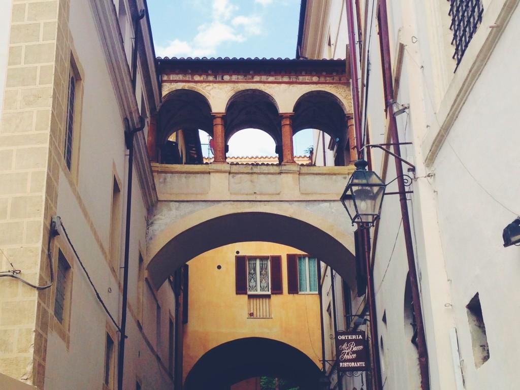 Scorci geometrici a Spoleto