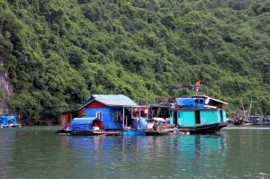 I villaggi sull'acqua alla Baia di Halong