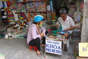 La via delle mercerie nel Quartiere Vecchio di Hanoi