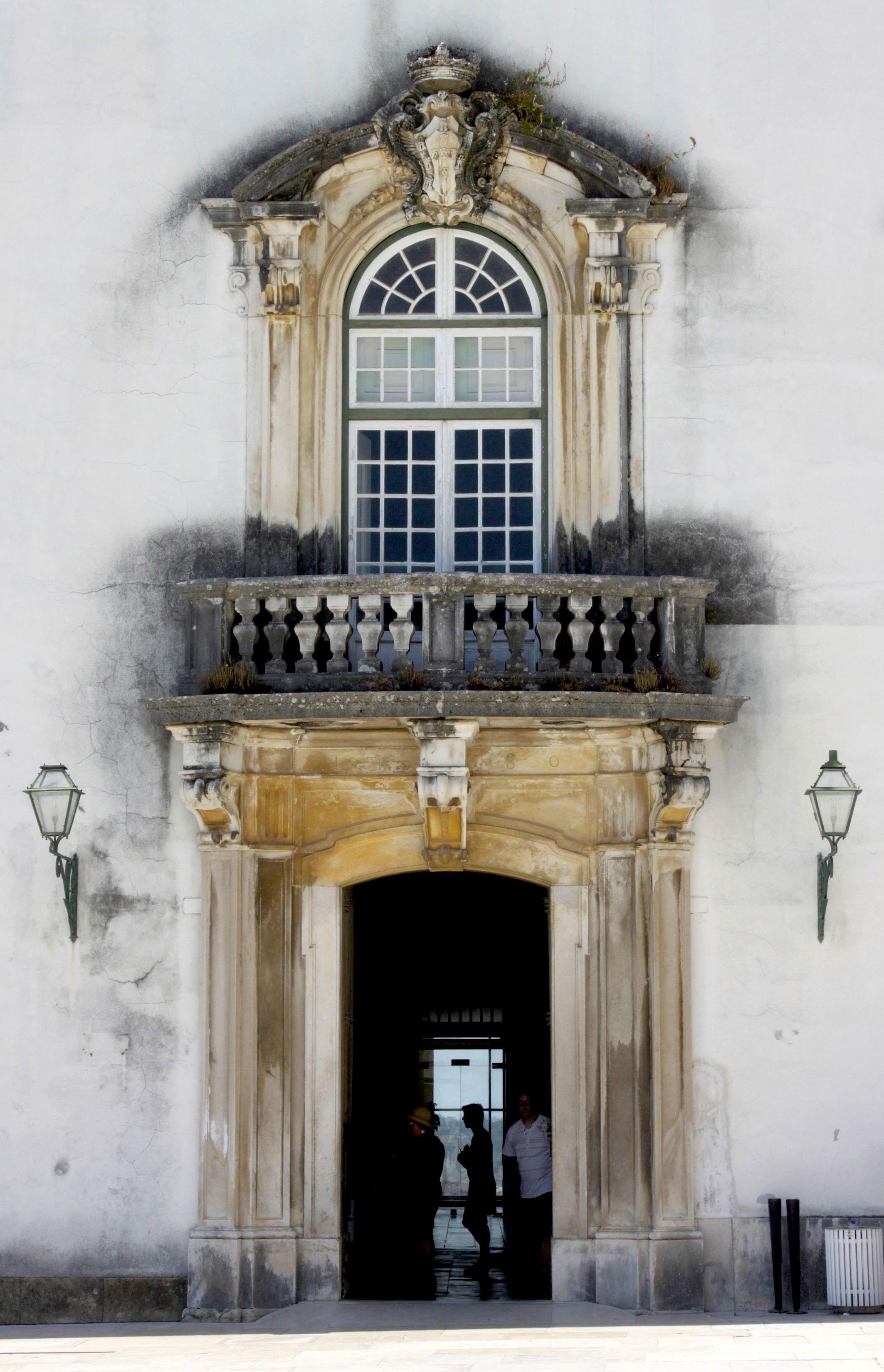Il Portogallo lo ritrovi nel dettagli delle foto, mesi dopo