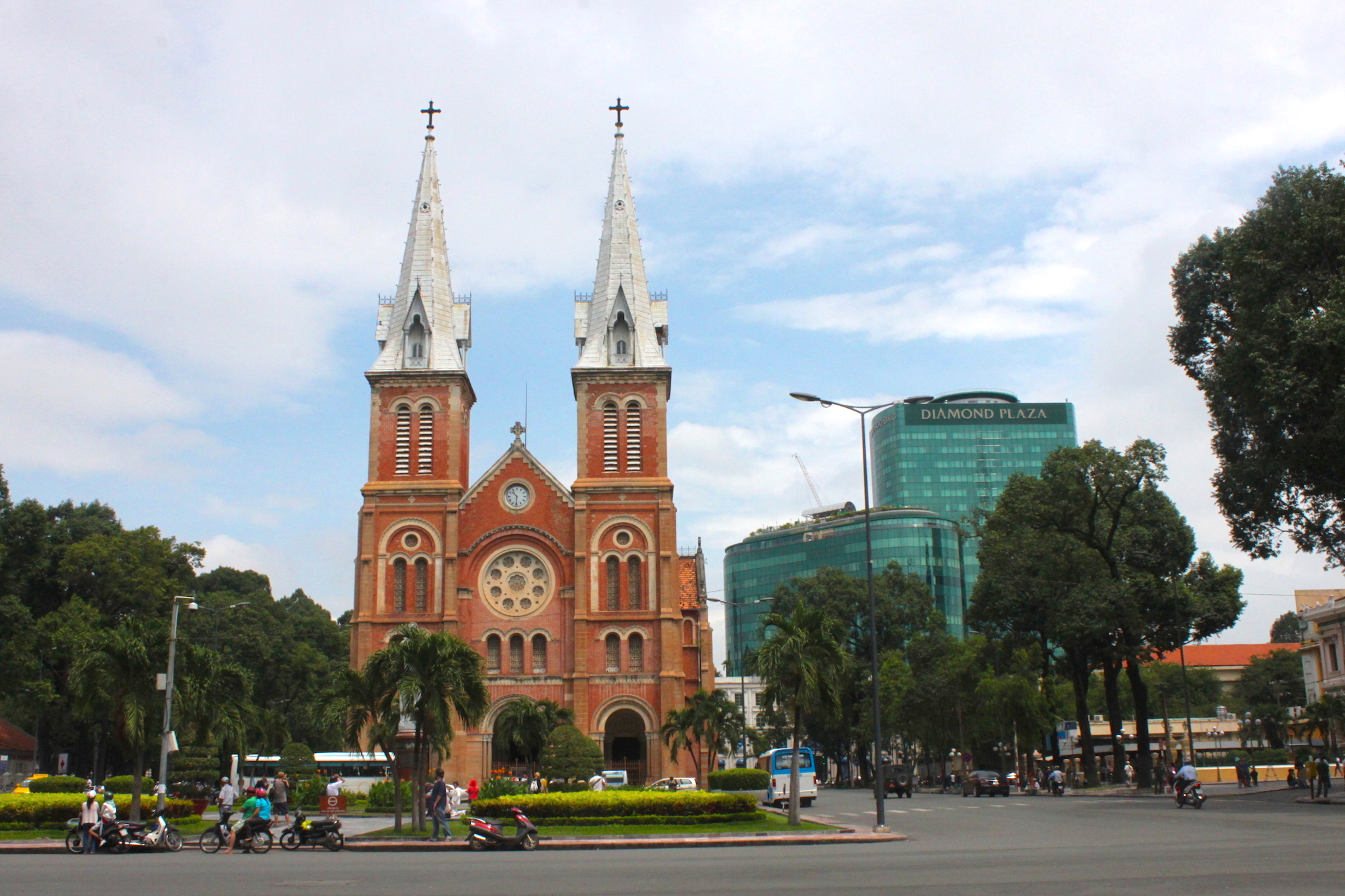 Il passato e il presente si mescolano ad ogni angolo ad Ho Chi Minh City