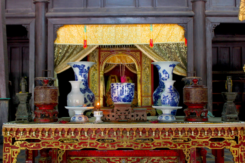 Il profumo di ogni incenso mi riporta in Vietnam