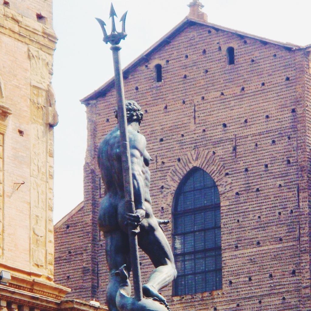 I sette segreti di Bologna - L'erezione del Nettuno