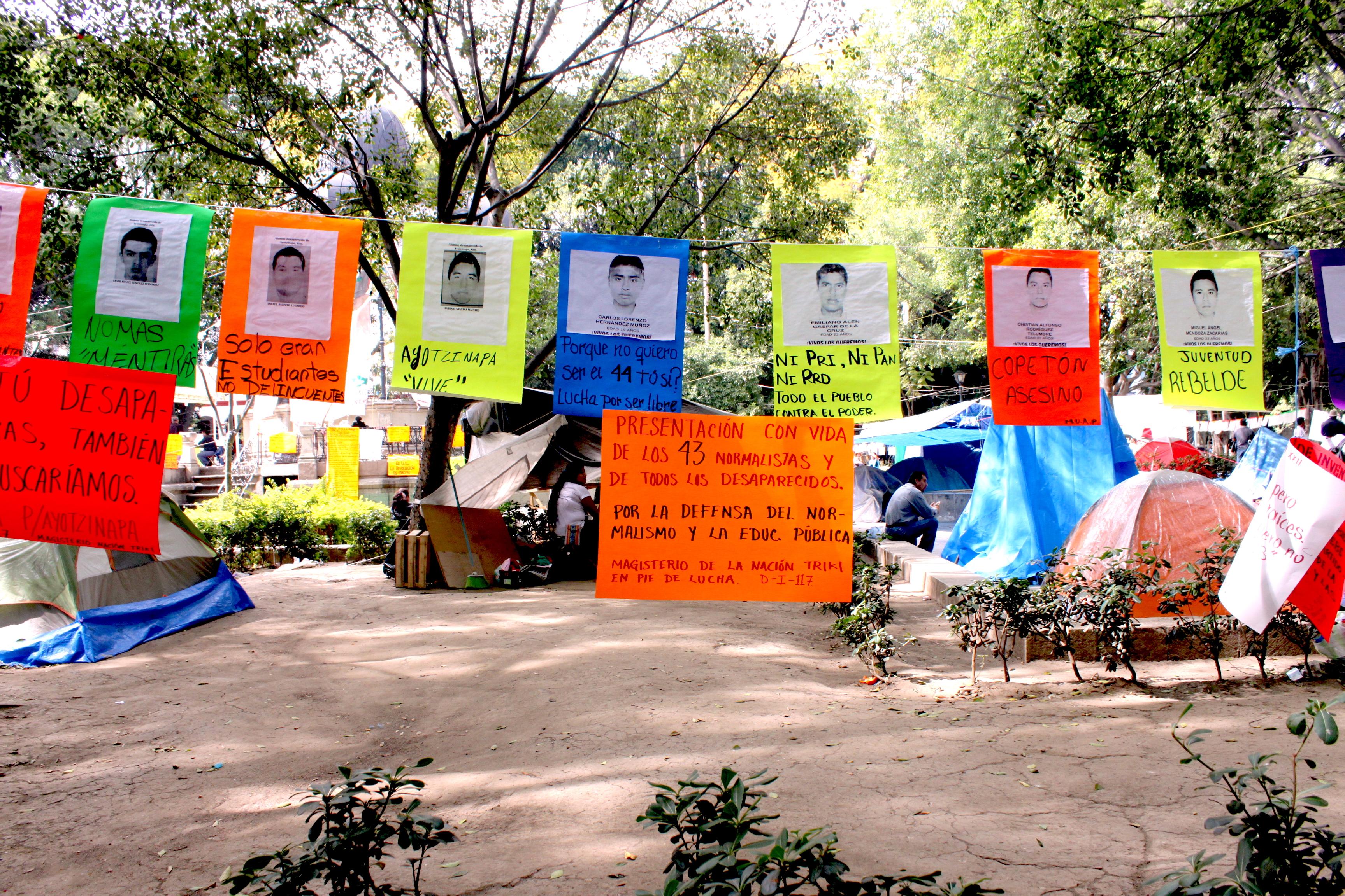 ayotzinapa vive
