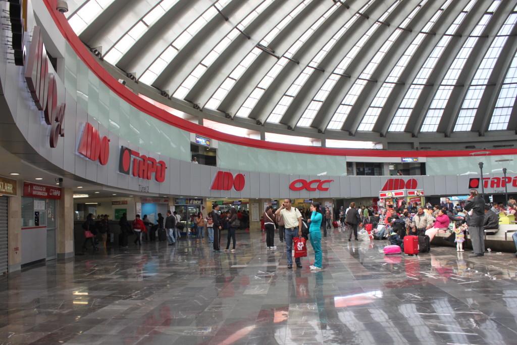 TAPO: la stazione degli autobus a Città del Messico