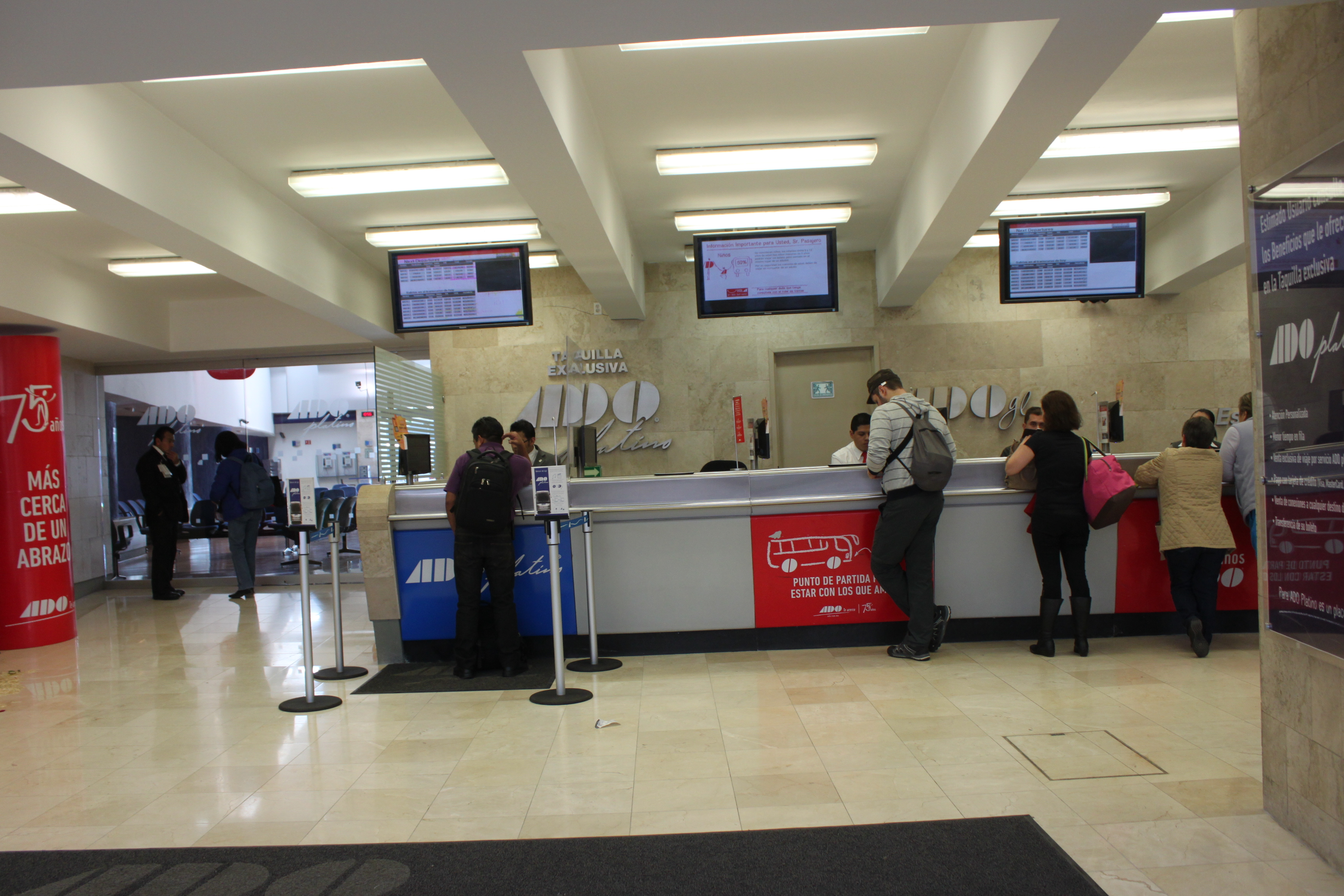 Banco per prenotare i biglietti ADO