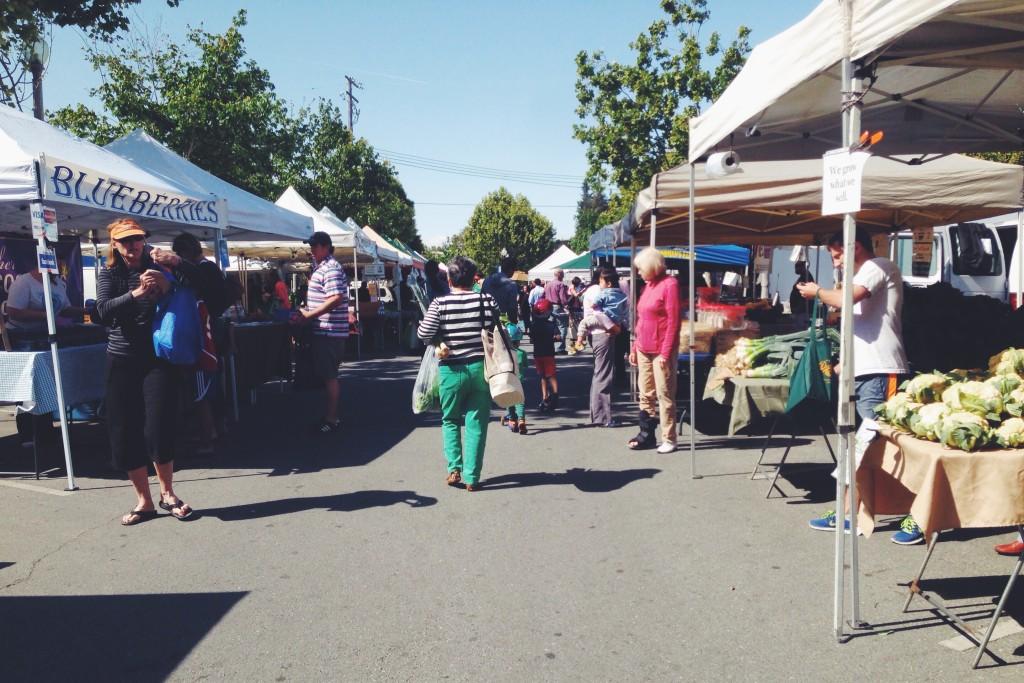 Mercato della frutta e della verdura a Menlo Park