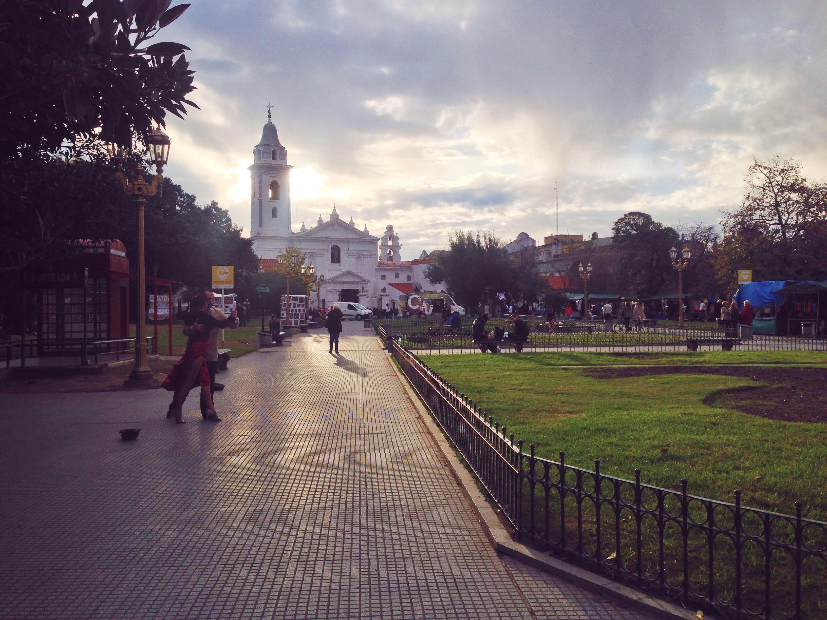 Cosa vedere a Buenos Aires - i mercatini e il cimitero della Recoleta