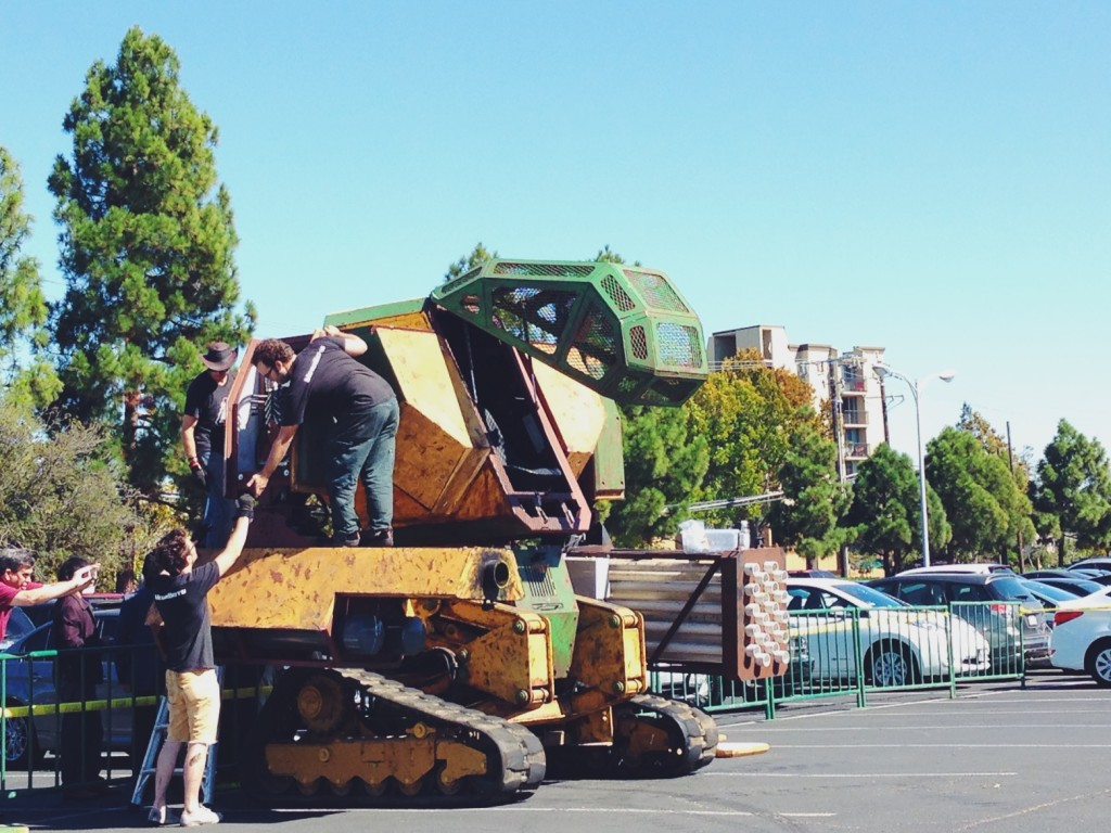 MegaBots - Giant robots duel - pioneer summit