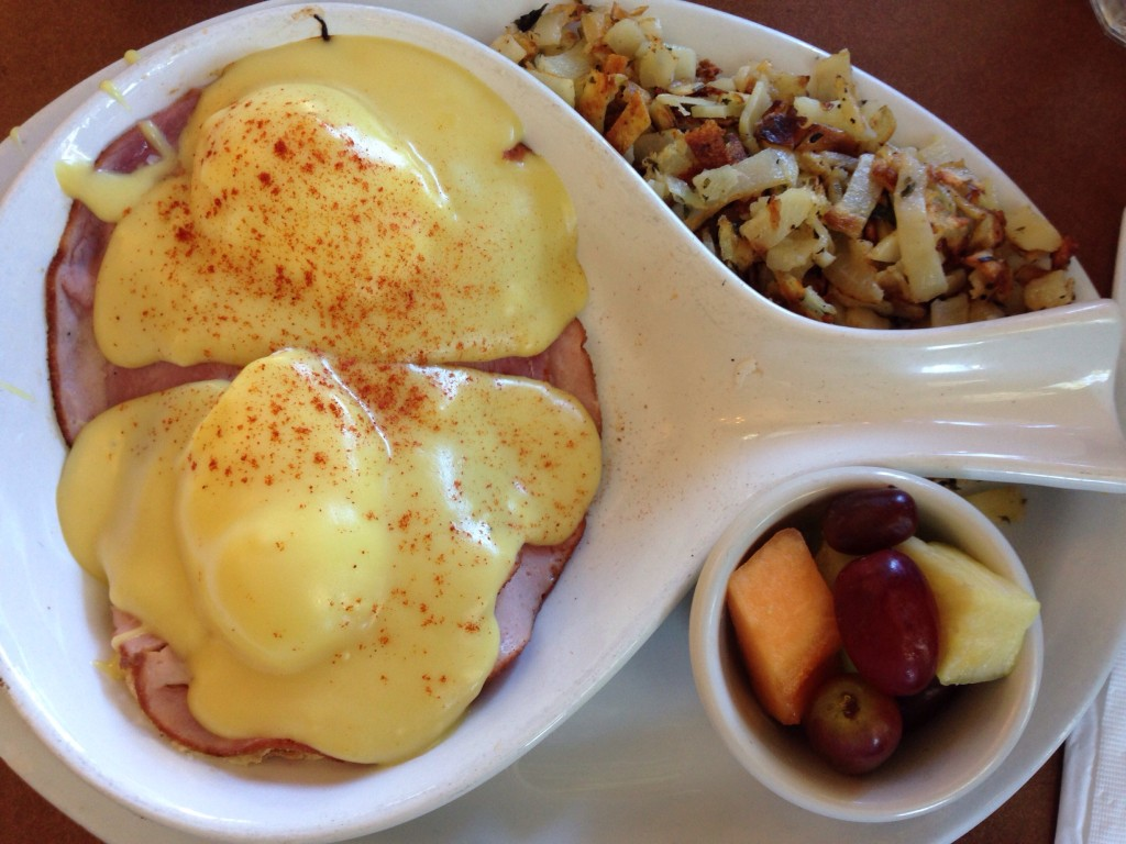 Eggs Benedict di Stacks
