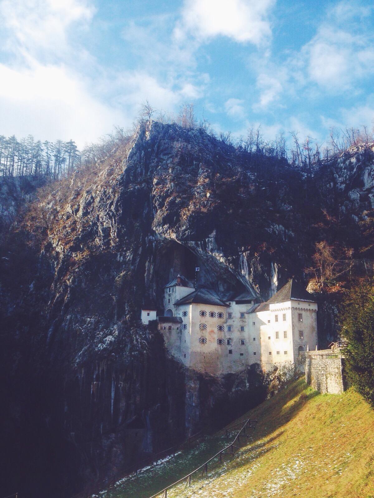 Esplorate le Grotte di Postumia