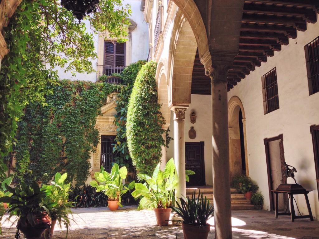 In Andalusia ogni porta nasconde un giardino segreto da lasciare senza fiato
