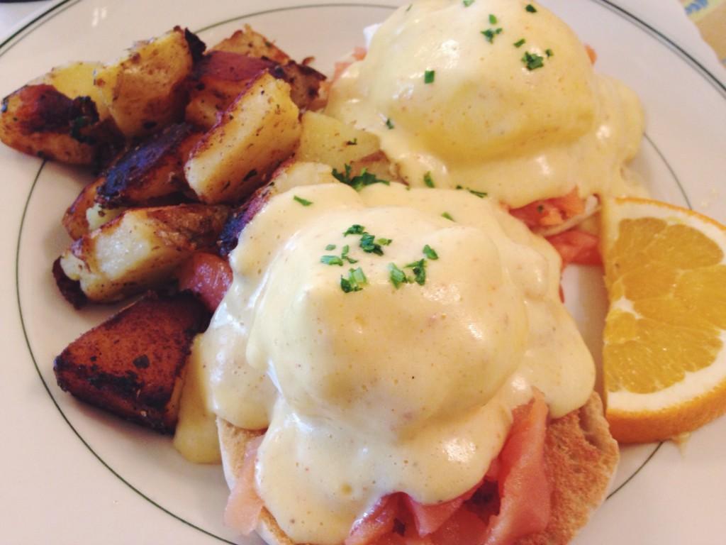 Eggs Benedict di Mama's a San Francisco