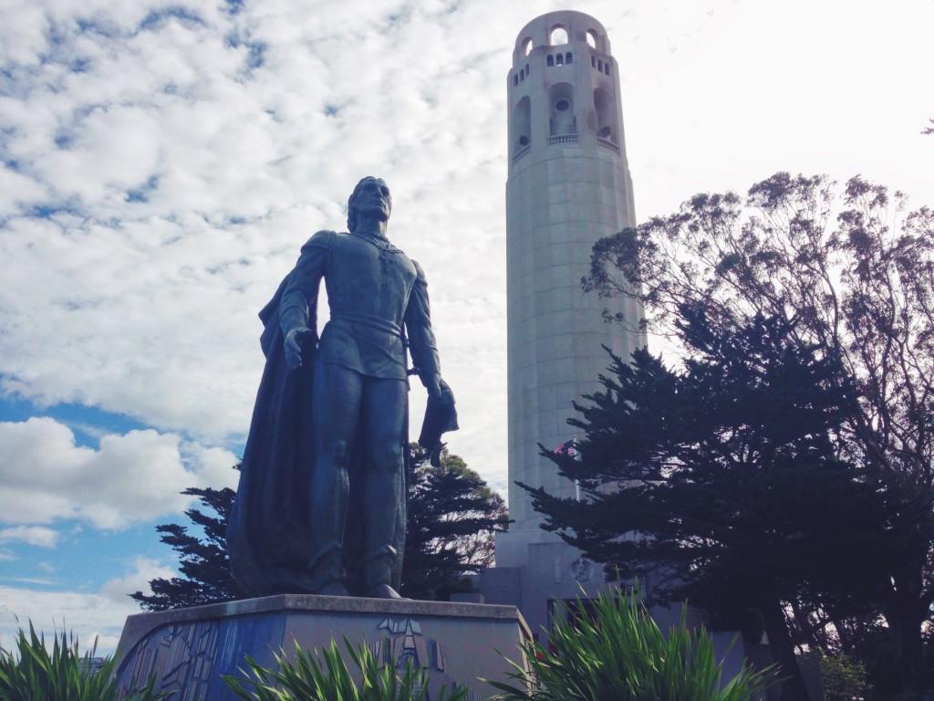 La Coit Tower e la statua a Cristoforo Colombo