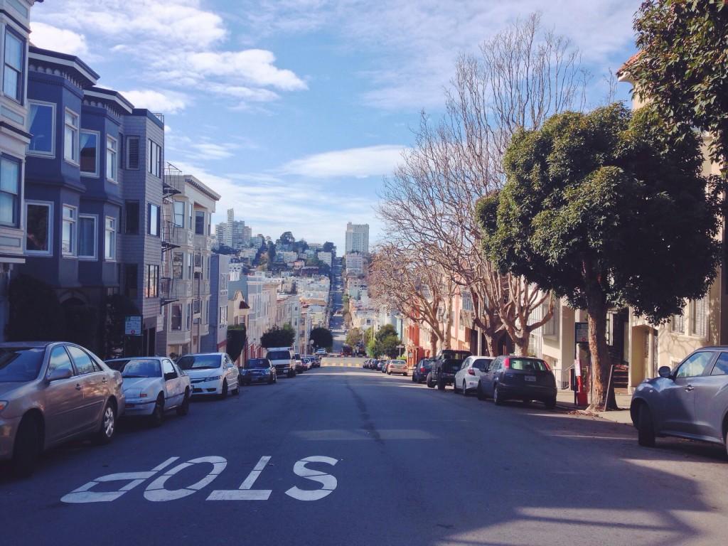 Le strade ripide in salita e discesa di San Francisco