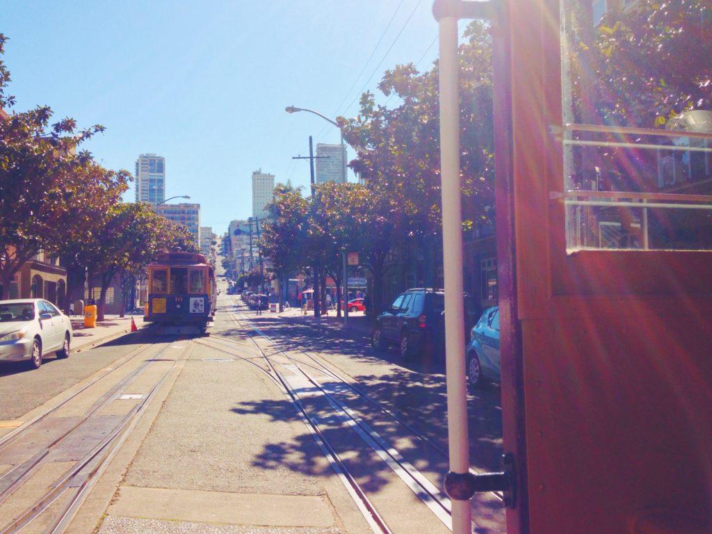 Salire sul cable car di San Francisco