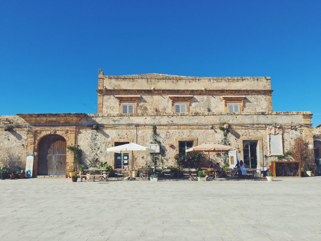 Più Sicilia di così non si può: la Piazza Regina Margherita di Marzamemi