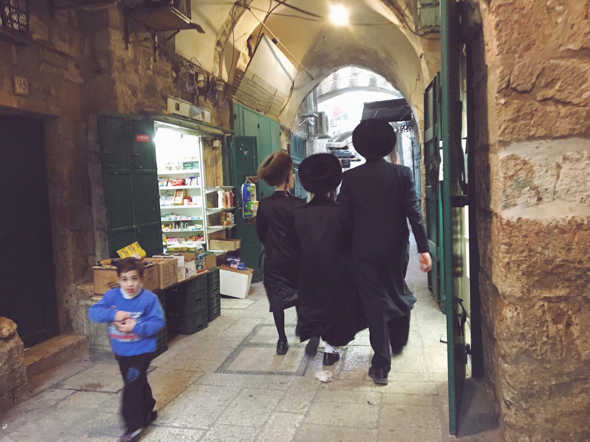 Gli ebrei ortodossi verso le preghiere dello shabbat a Gerusalemme
