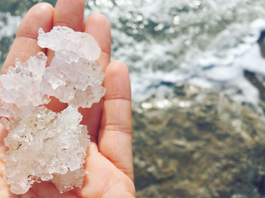 I cristalli di sale e i fanghi del Mar Morto