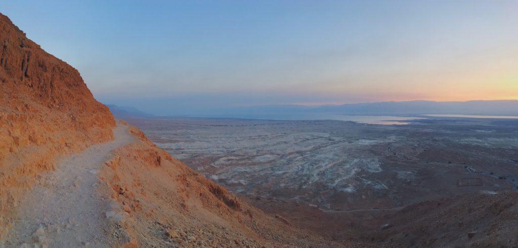Il Sentiero del Serpente per raggiungere la fortezza di Masada - Israele.jpg