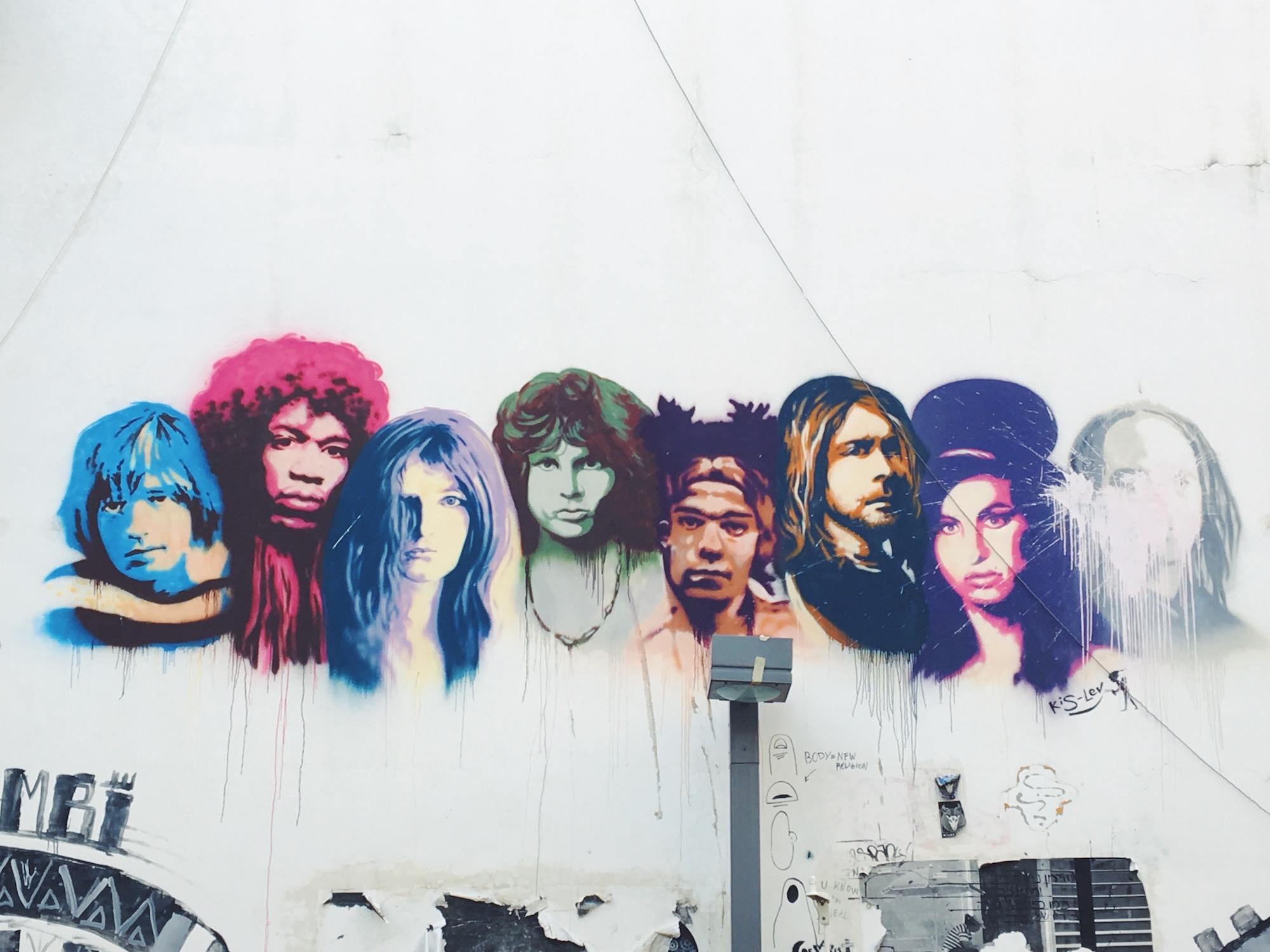 Il murales dei Club 27 a Tel Aviv, nel quartiere dei graffiti Florentin