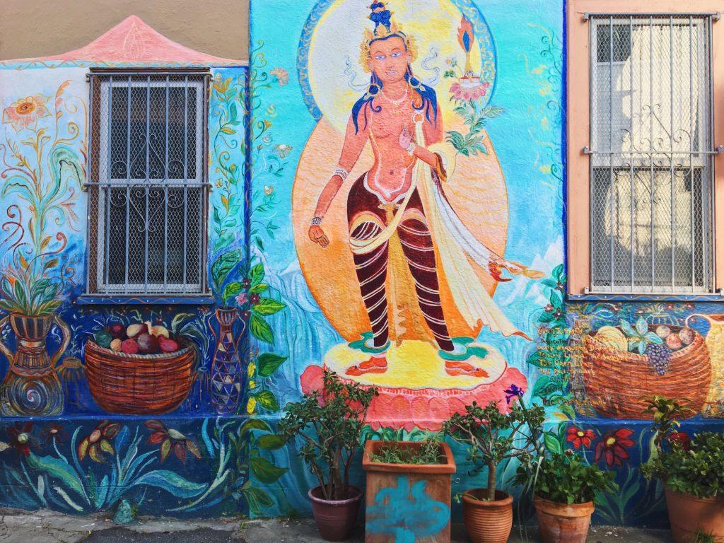 Balmy Alley - Murales nel quartiere Mission di San Francisco - Manjushri (2001) - Marta Ayala