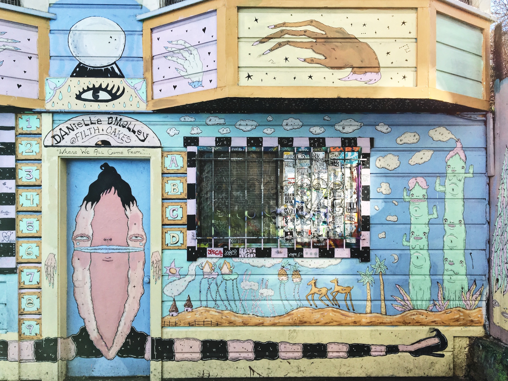 Clarion Alley - Murales nel quartiere Mission di San Francisco - Where we all come from (2015) - Danielle O'Malley