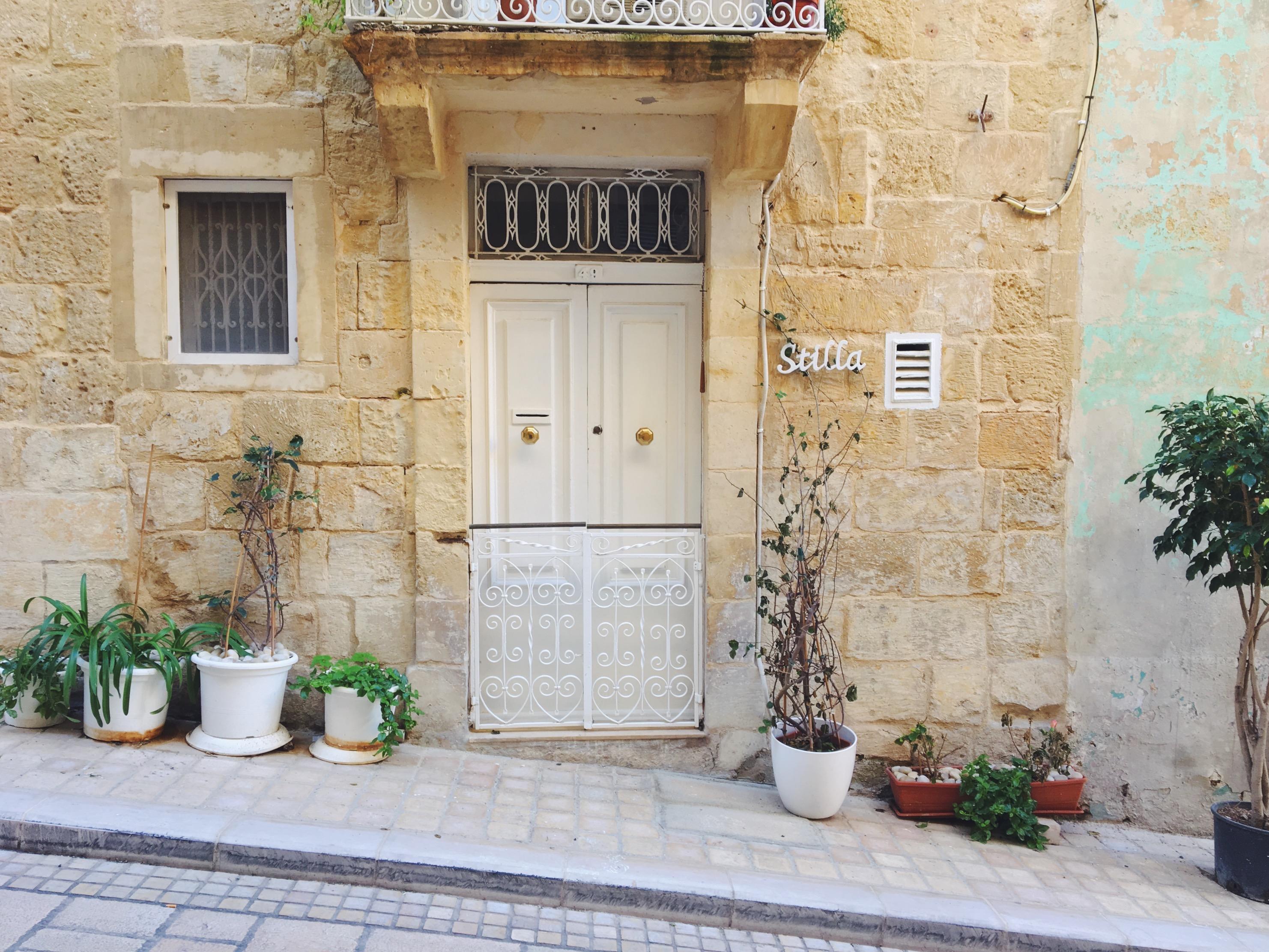 Dettagli bellissimi tra le vie di Vittoriosa a Malta